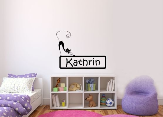 wandtattoo kinderzimmer t raufkleber katze mit wunschname 01. Black Bedroom Furniture Sets. Home Design Ideas